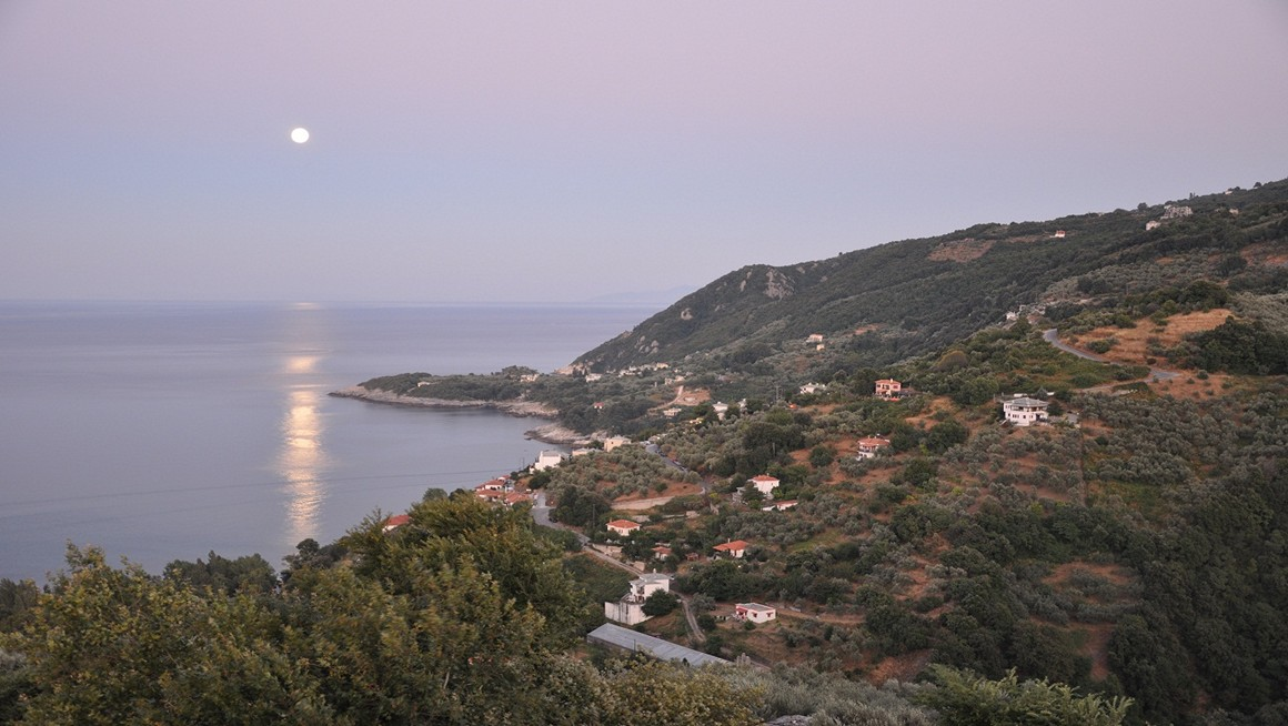 Fullmoon in Agios Ioannis Pelion Greece - View from Apartments Felitsia