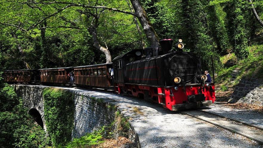 τραινάκι του Πηλίου - little train of Pelion